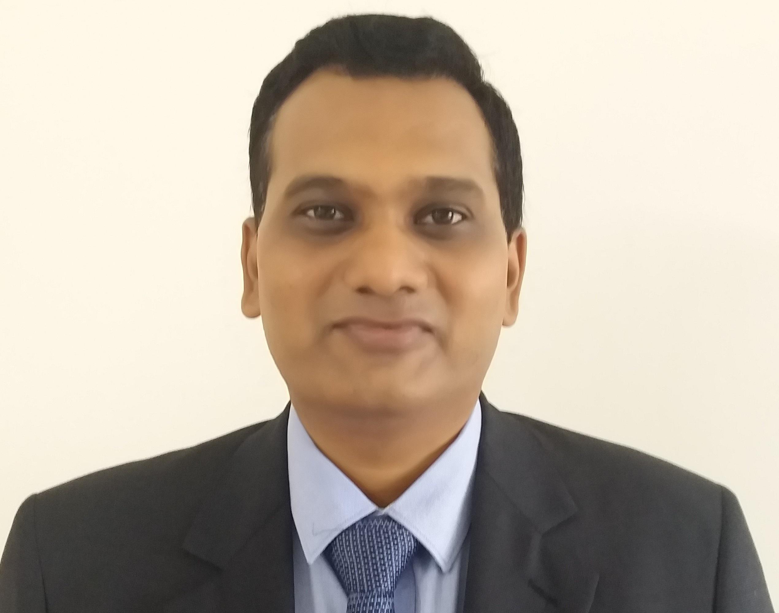 Dr. Shailesh T Kakde