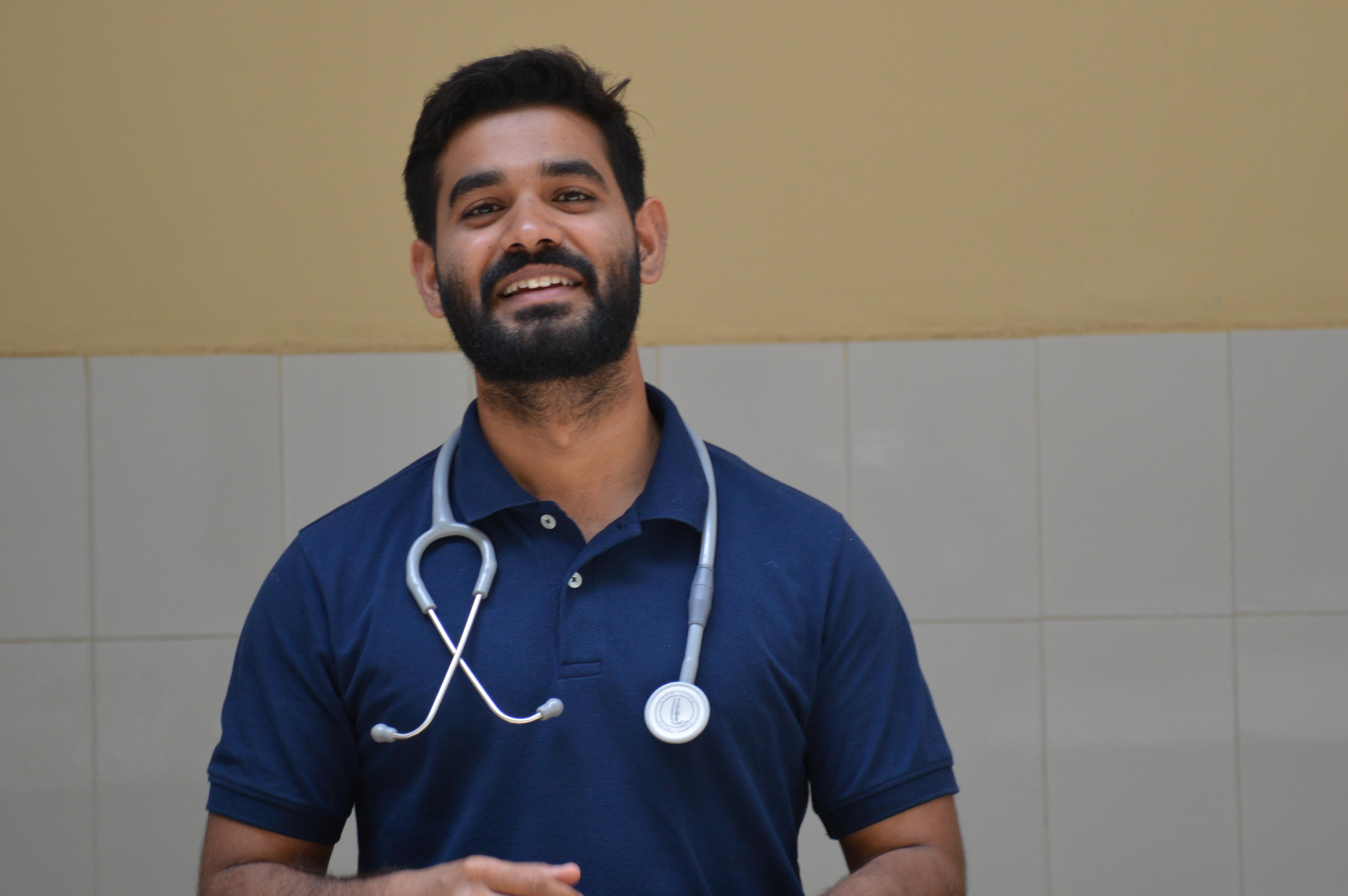 Dr. Sadik Roy