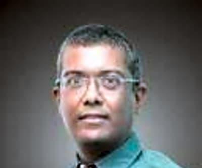 Dr. Sumit Saxena