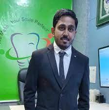 Dr. Gautam Thumar